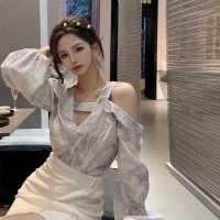 洋气衬衫女设计感小众泡泡袖上衣2021春装新款韩版露肩长袖衬衣潮