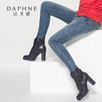 达芙妮集团/鞋柜冬女鞋粗高跟侧拉链系带皮带扣女靴-1