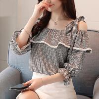 2018夏季新款韩版露肩格纹衬衫女一字领吊带荷叶边雪纺上衣女