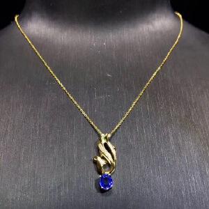 天然蓝宝石海豚吊坠,火彩爆闪!蓝宝石四大宝石之一,