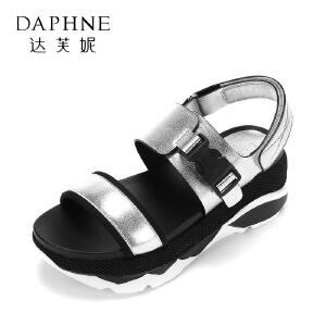 Daphne/达芙妮夏新舒适圆头松糕女鞋 学院风拼色魔术贴厚底凉鞋