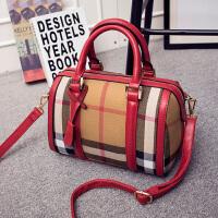 新款大包女包包单肩包斜挎包枕头包手提小包包d 红色小号