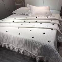 家纺2017款水洗棉绗缝夹棉床盖三件套盖毯夏凉空调薄被双人被子床上用品 白色 山茶花 200cmx230cm