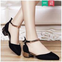盾狐春夏新款一字扣尖头高跟鞋女性感中空中跟粗跟单鞋黑色工作鞋DH7199A