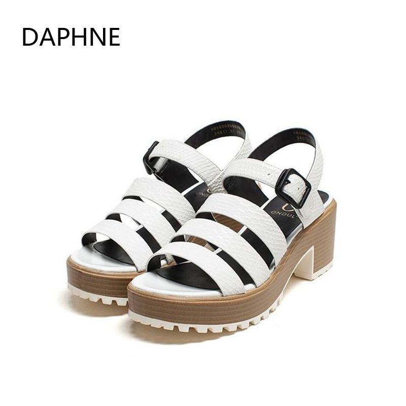 Daphne/达芙妮圆漾女鞋 夏时尚优雅木纹底中粗跟女士条带凉鞋