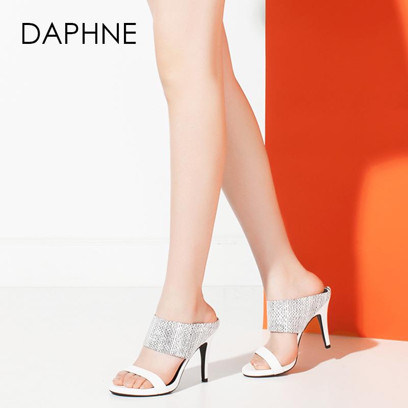 Daphne/达芙妮夏季新品 时尚圆头一字面高跟女凉鞋