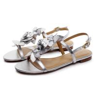 伊贝拉女鞋2017夏季新款凉鞋真皮花朵装饰一字扣带平跟甜美百搭凉鞋女鞋