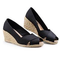 伊贝拉(YI-BELLA)女鞋春夏新款欧美百搭款鱼嘴一脚蹬草编坡跟麻底鞋简约女鞋凉鞋