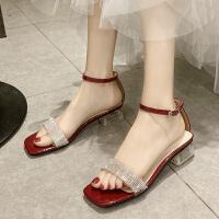 网红水晶粗跟一字带凉鞋女时尚新款夏百搭中跟女士凉鞋仙女风