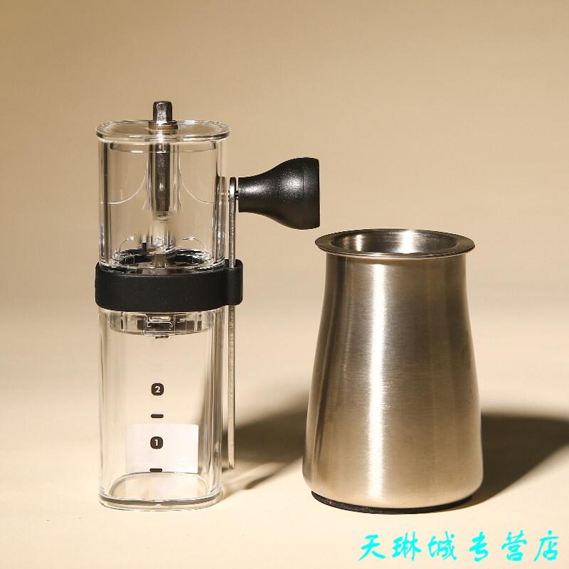 手动磨豆机 手摇咖啡豆陶瓷磨芯磨粉器 发货周期:一般在付款后2-90天左右发货,具体发货时间请以与客服协商的时间为准