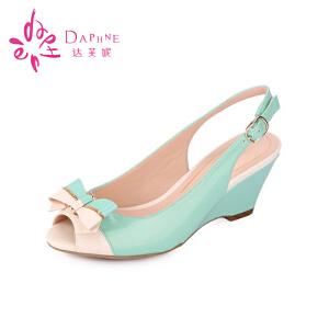 达芙妮夏季凉鞋 夏天鞋子蝴蝶结时尚高跟拼色坡跟女鞋