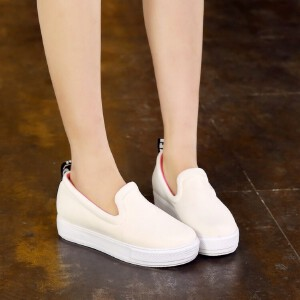 O'SHELL欧希尔新品026-C1-16休闲网面平跟女士休闲鞋