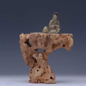 清代 寿山石观音坐像