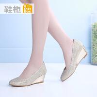 达芙妮旗下shoebox鞋柜春休闲浅口圆头女鞋 中跟坡跟女士单鞋1116101254