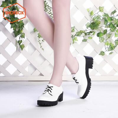 达芙妮旗下鞋柜简约尖头中跟女鞋漆皮内增高系带女单鞋