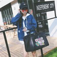 短途旅行包女微章大容量休闲旅行袋男士行李袋手提健身包运动包