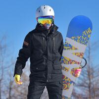 户外韩版高端单板滑雪服舒适透气修身男女士情侣保暖滑雪衣