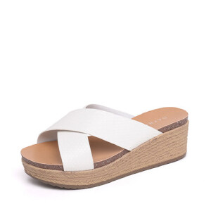 Daphne/达芙妮2016夏新品 时尚坡跟编织厚底女凉鞋拖鞋1016303046