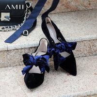 【券后预估价:197元】Amii极简复古时尚丝绒蝴蝶结单鞋女春装新款尖头浅口小猫跟鞋