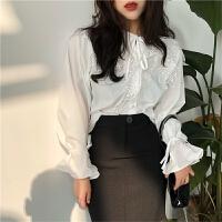 早春新款女装甜美减龄蕾丝荷叶边大翻领系带系扣学生长袖衬衫上衣