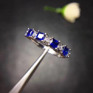 斯里兰卡蓝宝石戒指,经典排戒,皇家蓝,高净度,满火彩