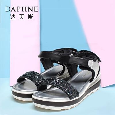 Daphne/达芙妮女鞋夏季优雅亮面平底气垫增高女凉鞋
