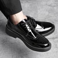 漆皮亮面男鞋春季布洛克雕花潮鞋英伦风复古圆头韩版男士休闲皮鞋