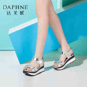 Daphne/达芙妮女鞋夏季粗中跟厚底坡跟学生女凉鞋-