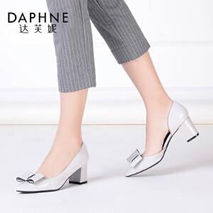 达芙妮粗高跟蝴蝶结尖头开口通勤时尚单鞋