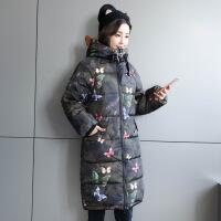17冬季新款迷彩羽绒修身连帽女中长款加厚女装外套批发