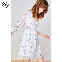 【2件4折到手价:291.6元】 Lily20夏新款梦幻星球波点印花很仙收腰V领长袖连衣裙7906