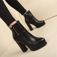 潮加绒女靴子欧美秋冬新款粗跟尖头短靴防水台高跟女鞋马丁靴裸靴 黑色