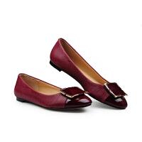 伊贝拉(YI-BELLA)新款女鞋百搭单鞋牛皮面圆头方扣通勤简约包头低帮女鞋单鞋