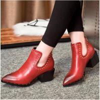 莫蕾蔻蕾春秋新款铆钉粗跟尖头短靴欧美英伦风红色婚鞋单鞋高跟鞋女6C020S