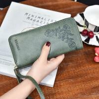 七夕礼物长款手拿包女钱包2018新款韩版多功能手机包女式手腕包拉链零钱包 玫瑰花边绿色