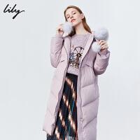 【不打烊价:1299元】 Lily2019冬新款女装狐狸真毛领白鸭绒中长款毛球连帽羽绒服1908