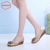 达芙妮旗下SHOEBOX/鞋柜蝴蝶结圆头浅口女鞋子 坡跟中跟女士单鞋