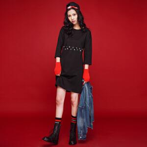 七格格2017新款字母印花圆领七分袖黑色运动风中腰连衣裙