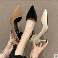 网红同款新款韩版漆皮浅口尖头美鞋简约细跟女鞋百搭高跟鞋女单鞋