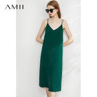 Amii�O�法式�赓|吊�нB衣裙2020夏季新款黑色V�I�却钛┘�中�L裙
