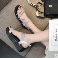 新款水钻凉鞋女韩版平跟沙滩鞋百搭休闲厚底松糕凉鞋学生