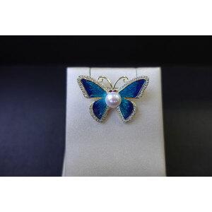 蝴蝶淡水珠胸针