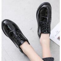 ins时尚小皮鞋女复古英伦风新款韩版百搭学生平底黑色布洛克单鞋