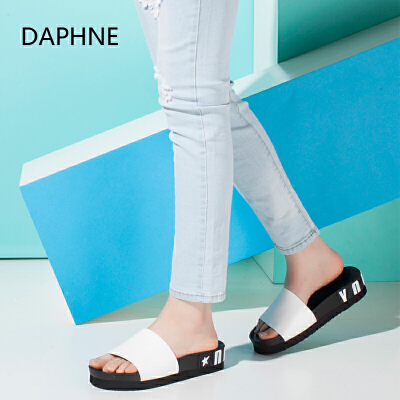 Daphne/达芙妮时尚潮流厚底凉鞋拖鞋