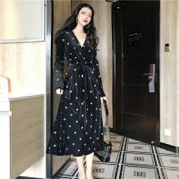 连衣裙秋装2018新款名媛气质V领修身显瘦长款波点长袖高冷范女装 均码