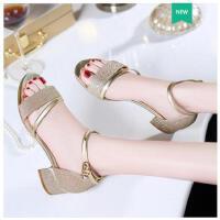 古奇天伦新款潮性感罗马夏天鞋子凉鞋女夏中跟一字扣带粗跟夏季高跟鞋HJ08691