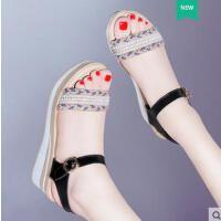 古奇天伦新款韩版厚底罗马松糕鞋坡跟凉鞋女鞋高跟夏季波西米亚防水台BN03329