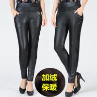 冬季PU皮裤中老年女裤加绒加厚外穿仿皮黑色打底裤高腰紧身小脚裤