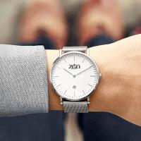 户外手表男青年皮带简单大方三眼钢带手表小伙防水潮流石英表
