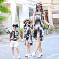 亲子装夏装新款潮春装一家三口全家装度假风条纹网纱裙子套装